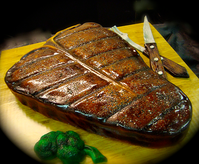 Top 10 cakes that look like steaks