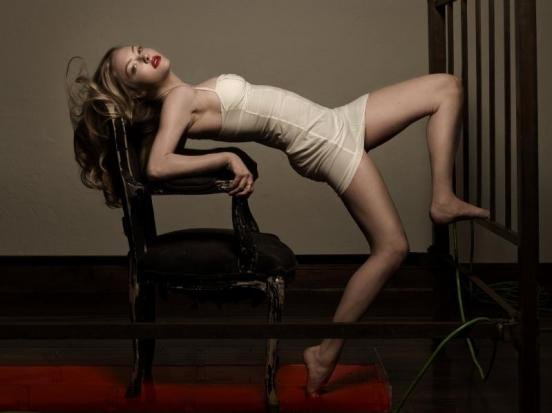 Amanda Seyfried: Trending (Burning Hot) | Delysia Style