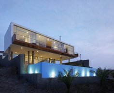 Beach House Q by Longhi Architects