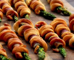 Bacon Wrapped-Asparagus Breadsticks