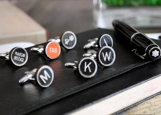 Typewriter CufflinksPersonalized wooden black keys by PHILIPAPIPA