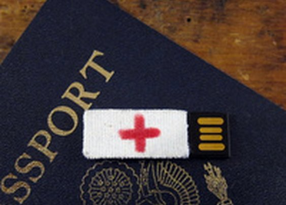 Make an Emergency Flash Drive and Take it With You Whenever You Travel