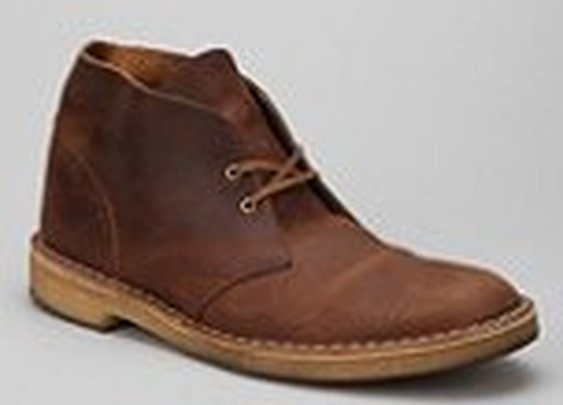 Clarks Waxed Desert Boot - Urban Outfitters