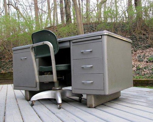 CLASSIC! Vintage MidCentury Invincible Tanker Desk
