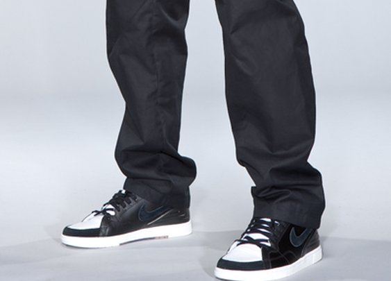 P9 is the ACRONYM® 7-pocket trouser.