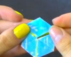 Meet the hexaflexagon. It's about to blow your mind.