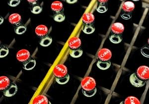 Coca-Cola bottling company says it's end of the line for returnable glass bottles - NY Daily News
