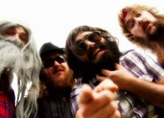 THE BEARDS - If Your Dad Doesn't Have a Beard, You've Got Two Mums