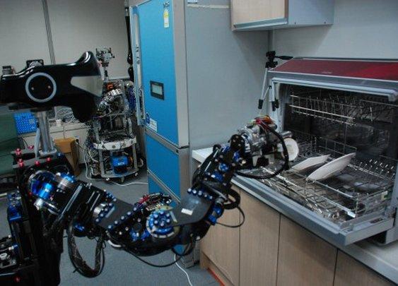 Korea shows off salad-tossing robot at Robot World 2012
