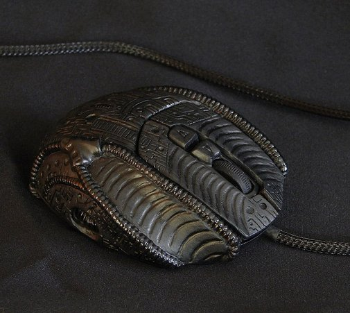 H.R. Giger Mouse: for the Alien Queen's PC