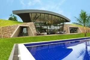 Two is more than one - two modern eco homes on a common territory