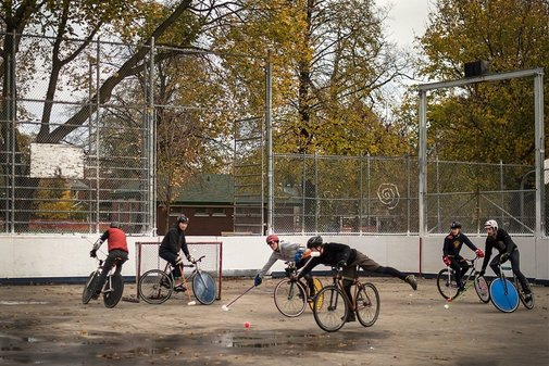 Bike Polo: Sport of Gentlemints