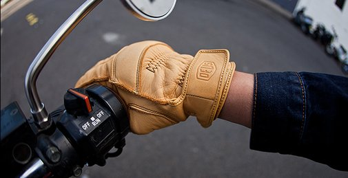 Moto-Mucci: GEAR: Deus Gripping Gloves