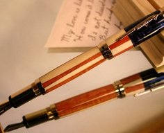 Wood fountain pen in American flag and gold by Hope & Grace Pens