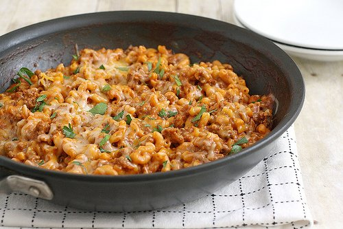 Tracey's Culinary Adventures: Cheesy Chili Mac
