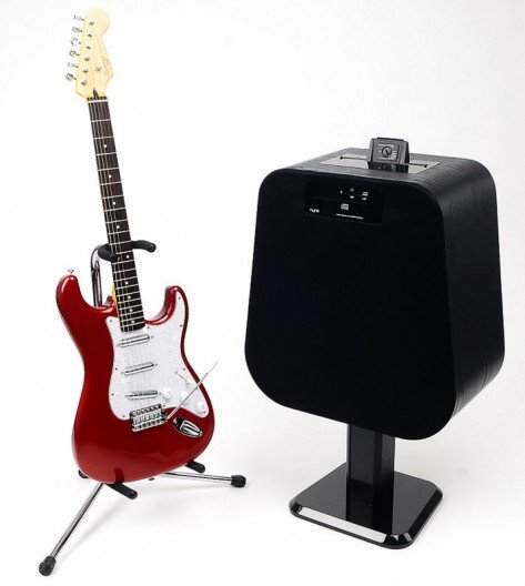 NYNE's NH-6500 iPhone and iPad dock doubles as a guitar amp