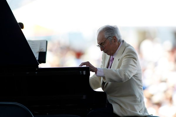 Dave Brubeck, Who Helped Put Jazz Back in Vogue, Dies at 91