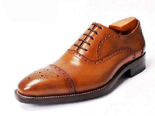 Modern gentlemen dress exceptionally well and recognize quality