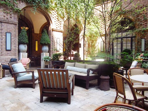 Cozy European Patio Style Ideas