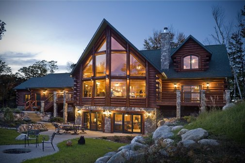 The beauty of Rustic House Design and Log Cabin Homes