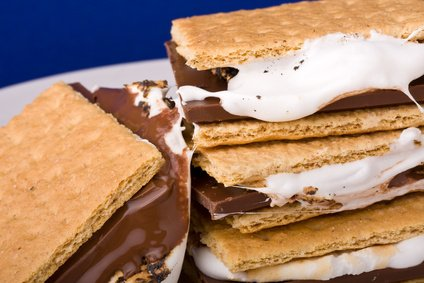 How To Make Campfire Smores