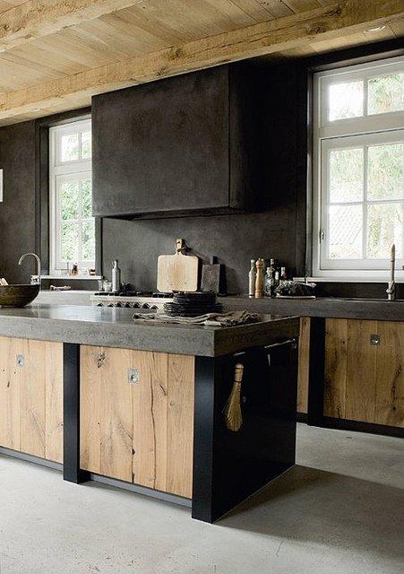 Man Kitchen