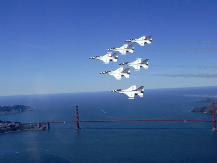 USAF Thunderbirds fly over in San Francisco