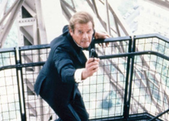 Roger Moore on Why Daniel Craig Is the Best James Bond Ever and What 007 Role He's Dying to Play