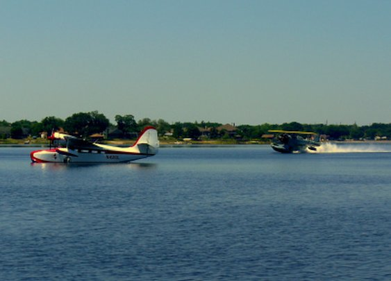 Aviation Photo of the Day: Vintage Grummans!   Airplanology