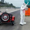Motorcycle-riding Easter Bunny encounters CHP on the freeway - latimes.com