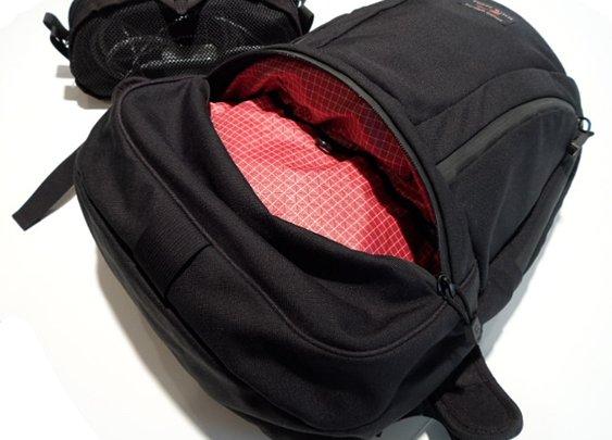 Tom Bihn Synapse 25 Backpack Review   Loaded Pocketz