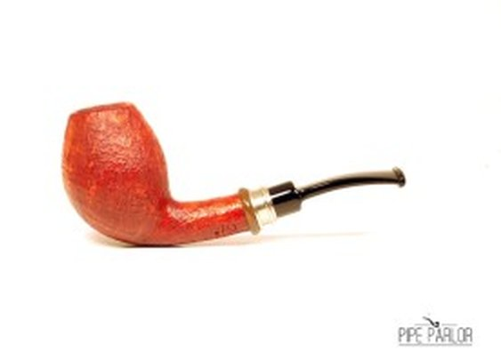 Neerup Classic Sandblasted Bent Egg | The Pipe Parlor