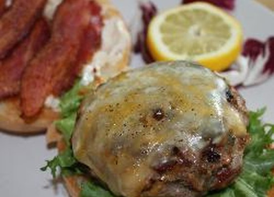 Jalapeno Bacon Burgers with MANchego Cheese