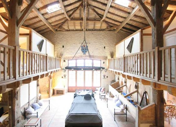 Living in a Barn | Decoration of Home