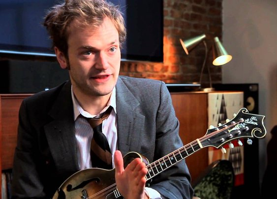 D'Addario: Chris Thile on EXP Mandolin Strings - YouTube