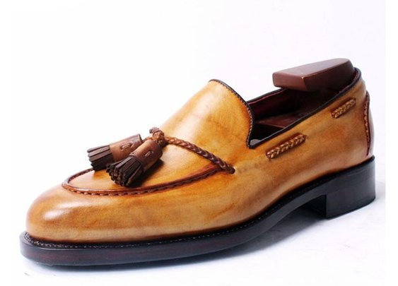 Bespoke made to measure custom hand-colored tassel loafer