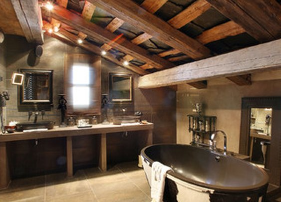 And complementing bathroom.