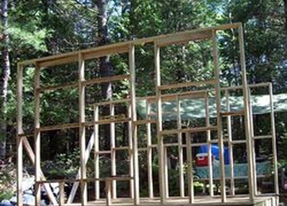 """Complete """"do it yourself"""" guide on how to build a small cabin"""