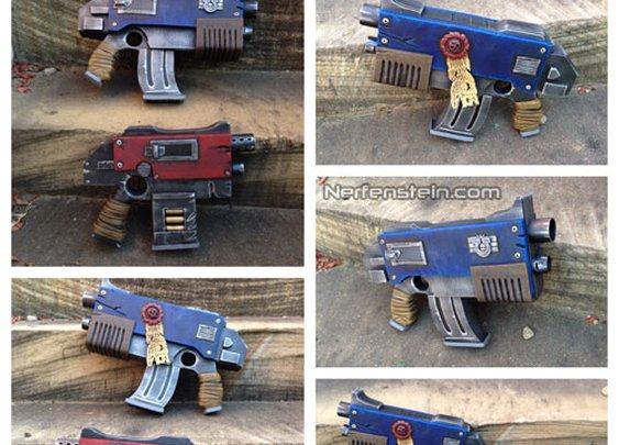 Warhammer 40K Bolter inspired madness! Bolt pistols et troi by Prop Maker Nerfenstein