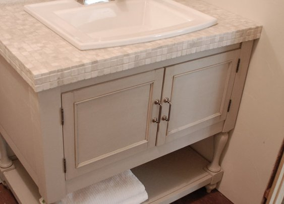 How To Build a Pottery Barn Inspired Vanity