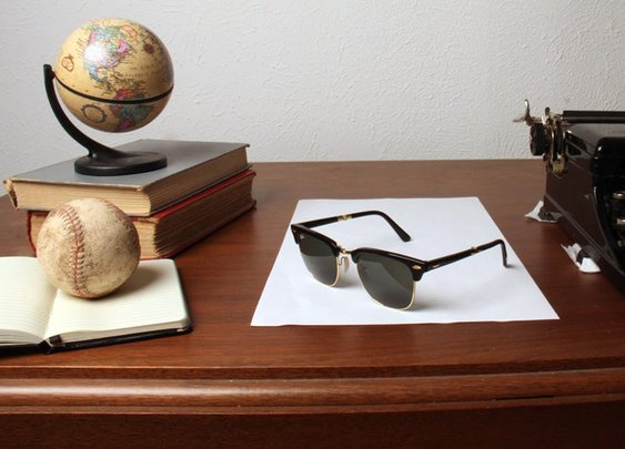 Super Clever Sunglass Illusion - YouTube