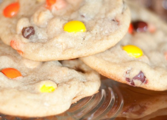 Soft & Chewy Reese's Pieces Fall Cookies | Chasing Supermom