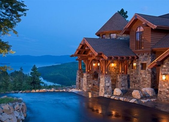 Mountain Style Home in Sandpoint, Idaho