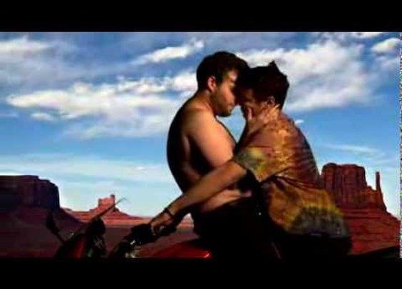 James Franco & Seth Rogen redo Kanye West Video. HYSTERICAL.