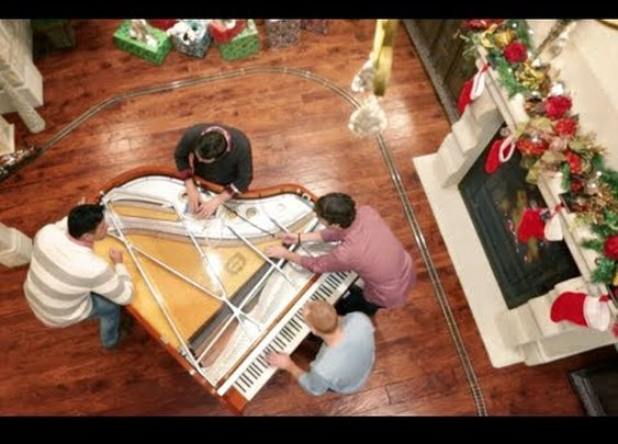 Angels We Have Heard on High (Christmas w/ 32 fingers and 8 thumbs) - ThePianoGuys - YouTube
