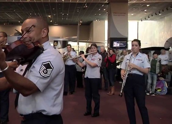 The USAF Band Holiday Flash Mob at the National Air and Space Museum 2013 - YouTube