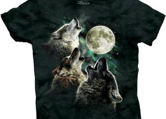 Three Wolf Moon Tee that gives you super powers of flight and ultra-attraction, according to reviews