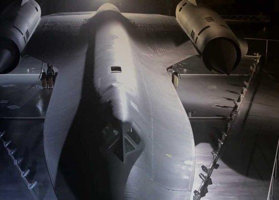 Pilot Recounts Tales of SR-71 Blackbird - YouTube