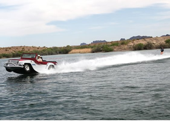 The World's Fastest Amphibious Car - Hammacher Schlemmer