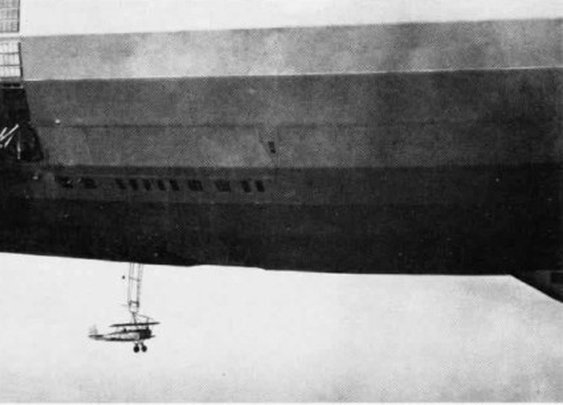 """The """"sinking"""" of the US Navy's Flying Aircraft Carrier"""